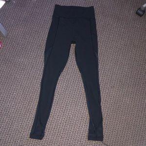 Woman's Lululemon Long Highwasted Black Leggings 6